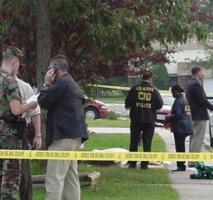 US_Army_CID_agents_at_crime_scene